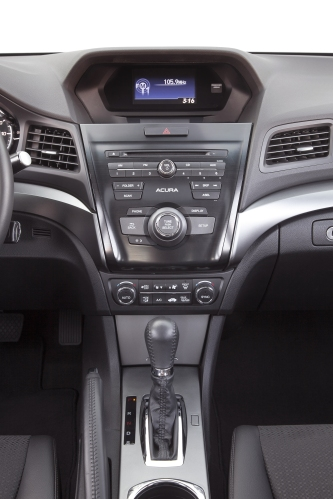 2013 Acura ILX Hybrid dash