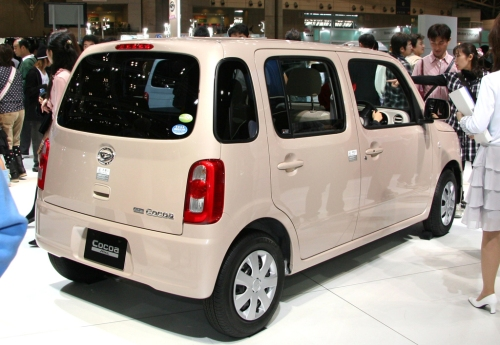 Daihatsu Mira Cocoa rear shot