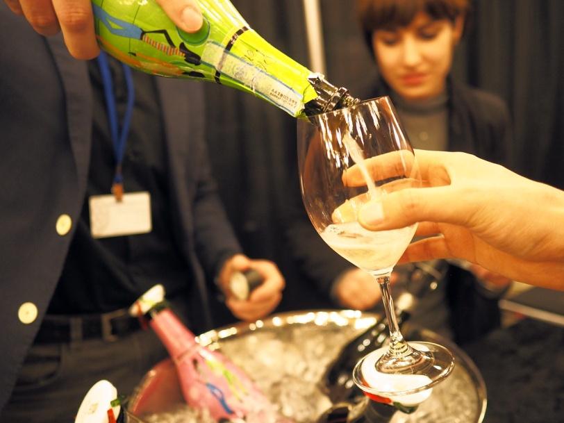 Vancouver International Wine Fest 2015 pour