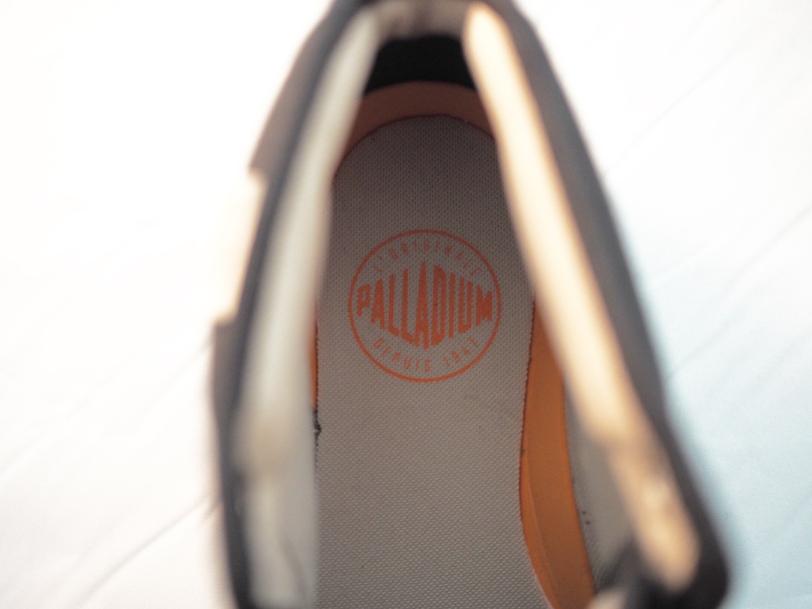 palladium boots logo liner