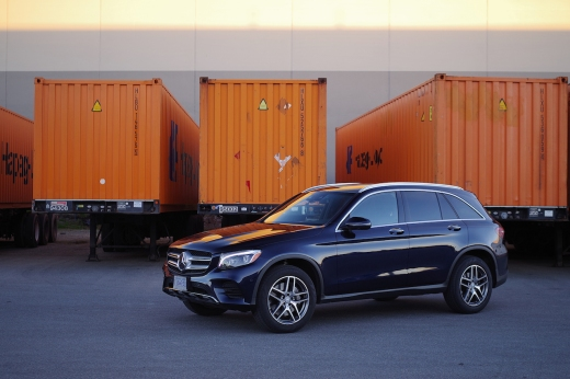 2016 Mercedes-Benz GLC 300 front angle