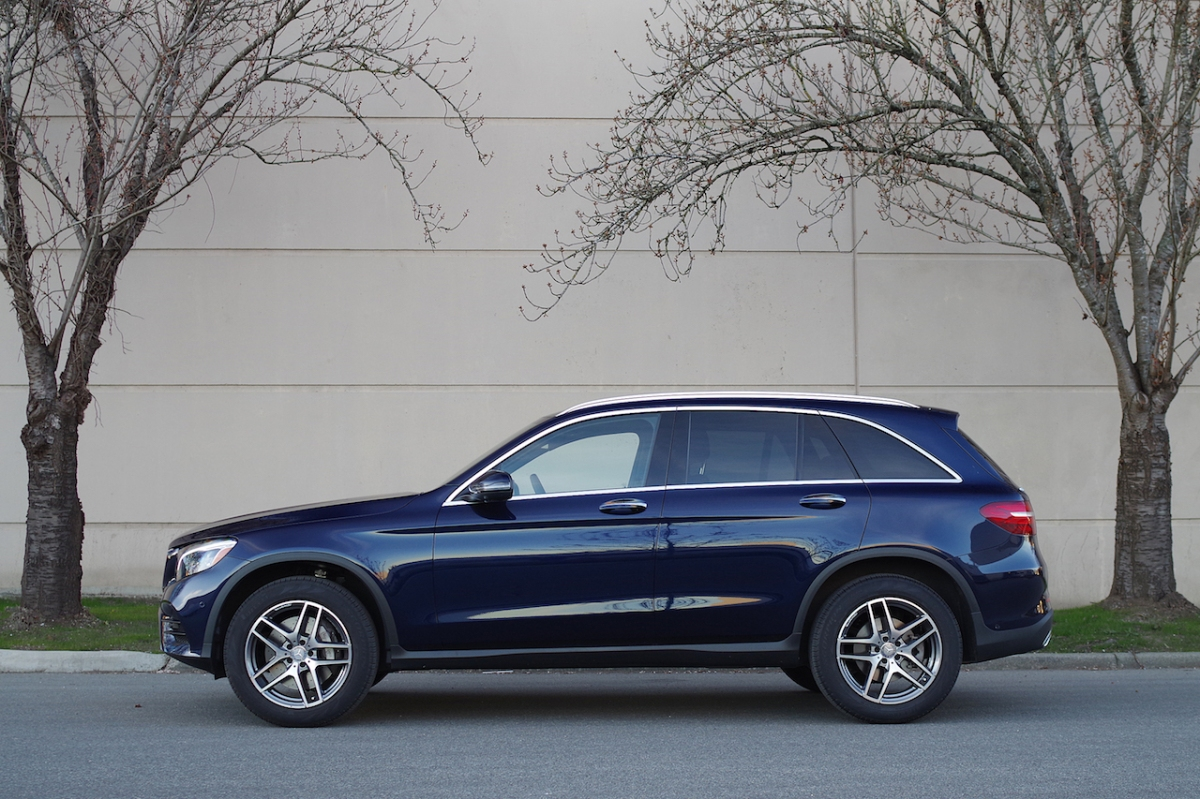 2016 Mercedes-Benz GLC 300 side