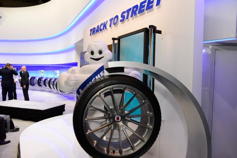 Michelin Pilot Sport AS 3+ display