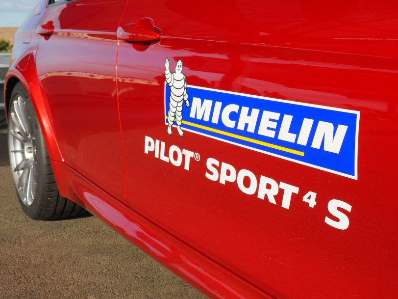 Michelin Pilot Super Sport 4 S door sticker