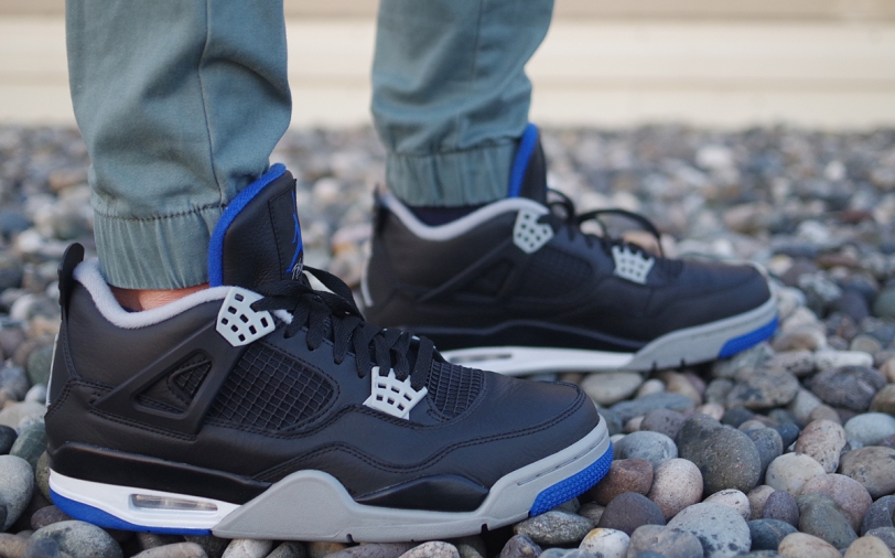 air jordan 4 retro motorsport away on feet
