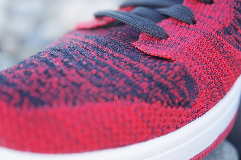 nike dunk low flyknit upper