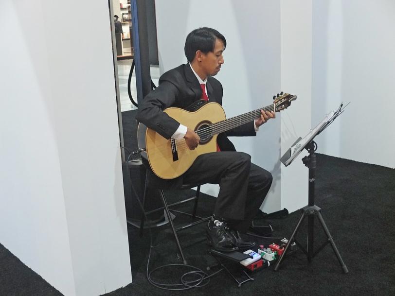 oakridge centre meet the masters guitarist