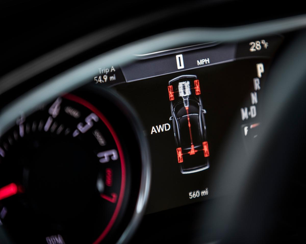 2018 Dodge Challenger GT AWD instrument cluster