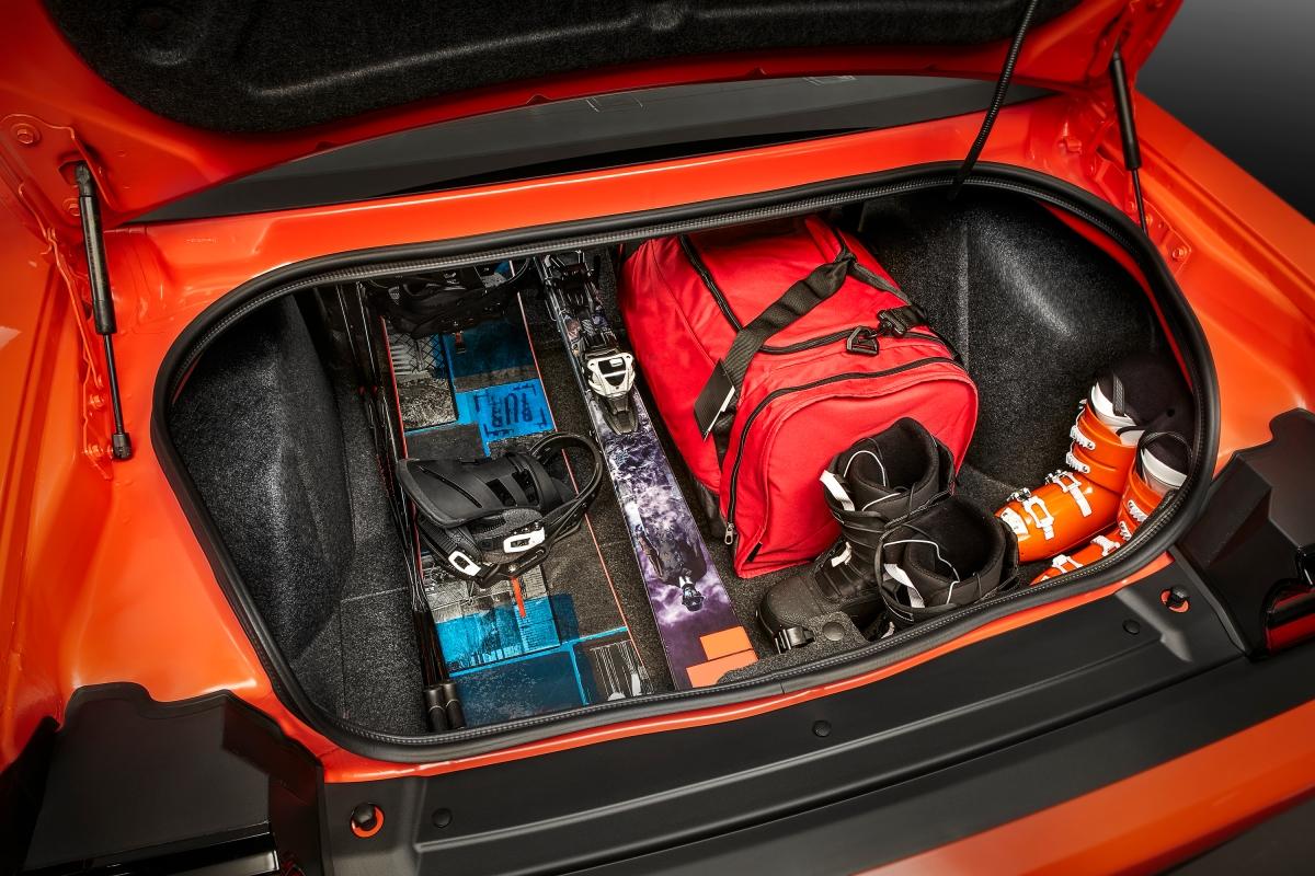 2018 Dodge Challenger GT AWD trunk