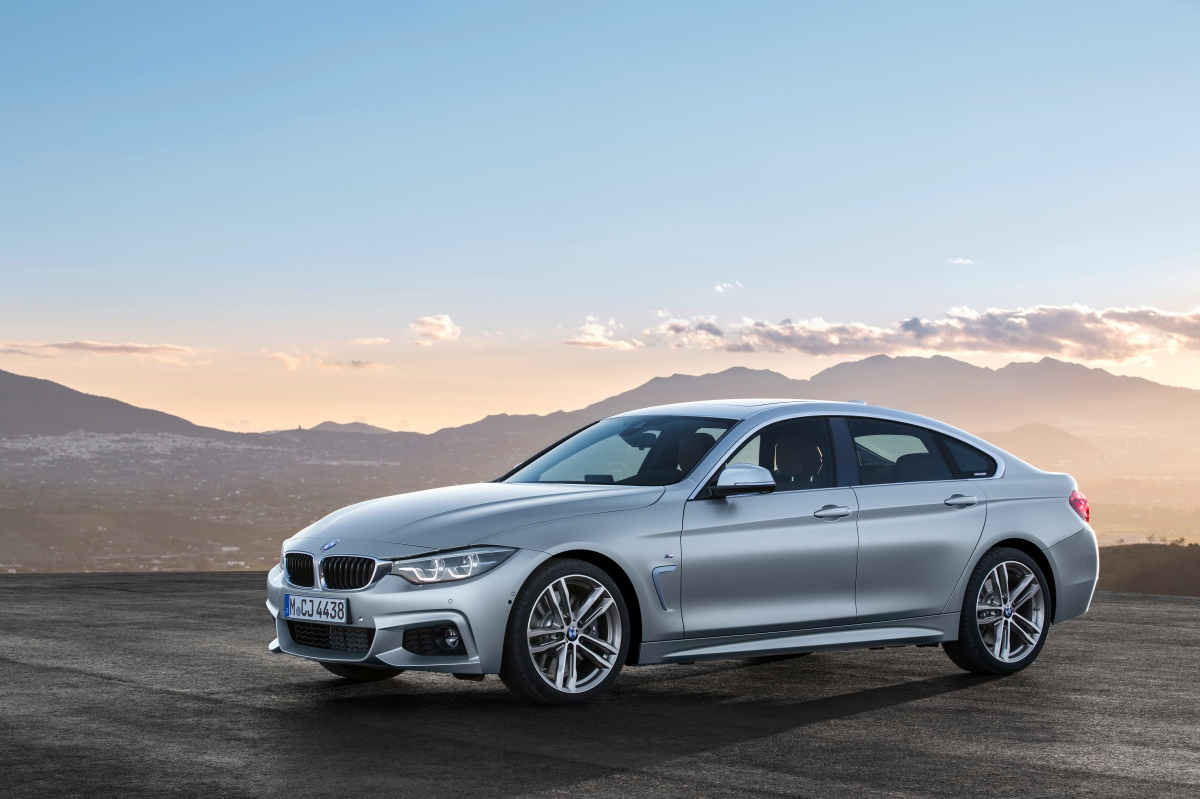2019 bmw 4 series m sport front three quarter