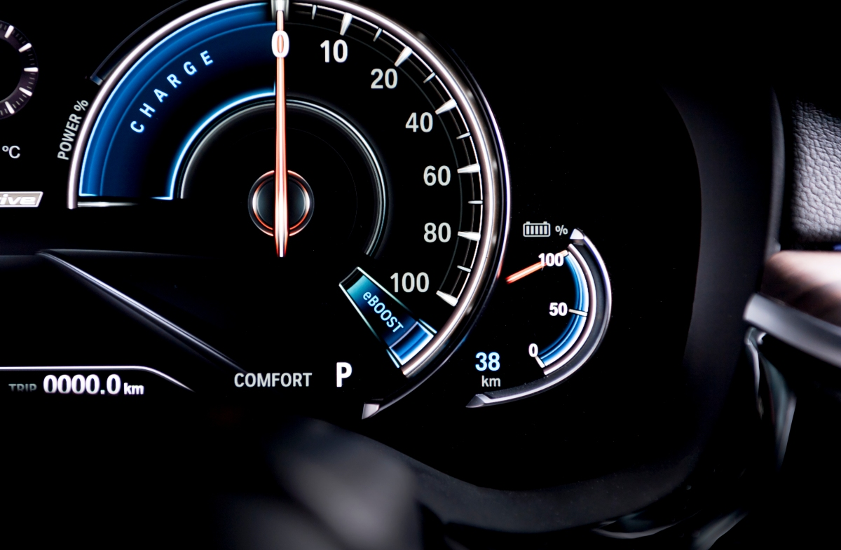 BMW 530e iPerformance instrument cluster