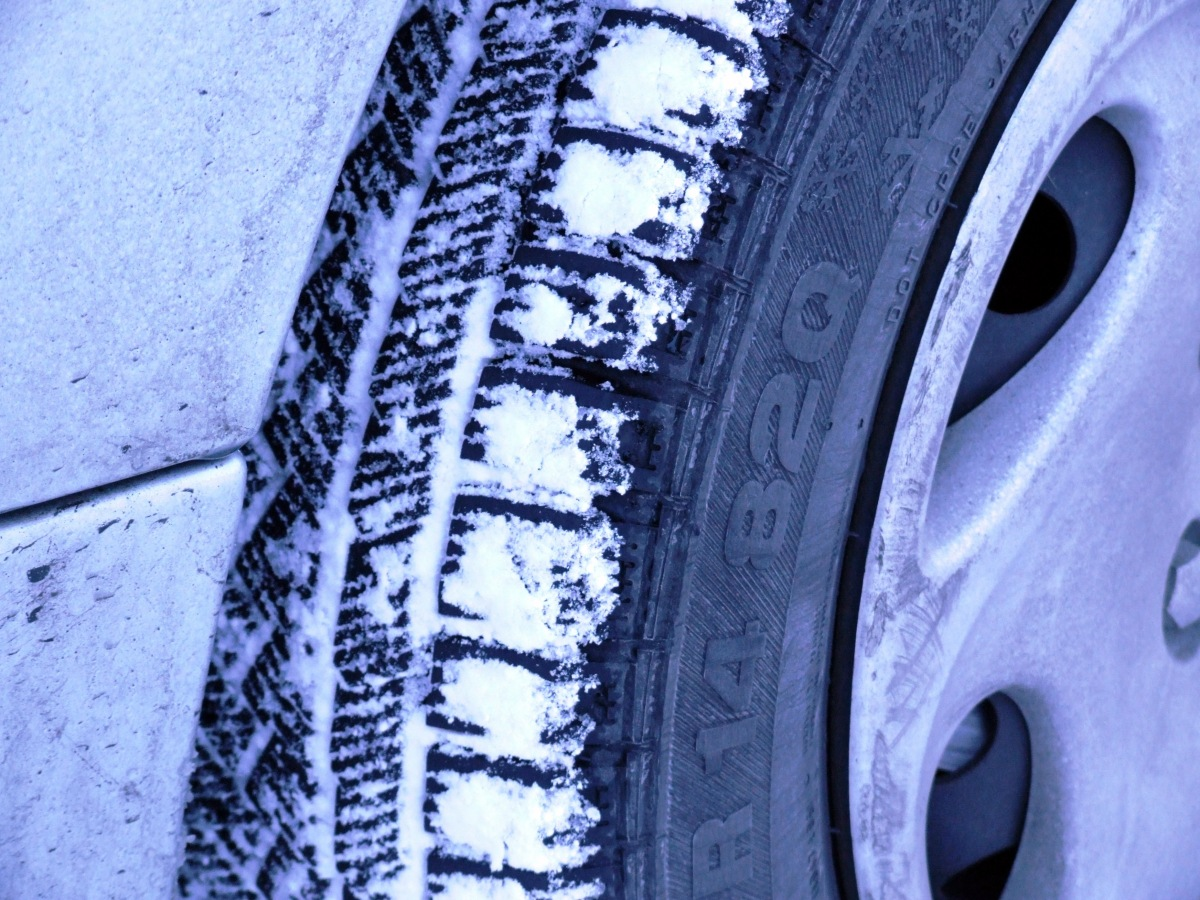 snow_covered_winter_tires