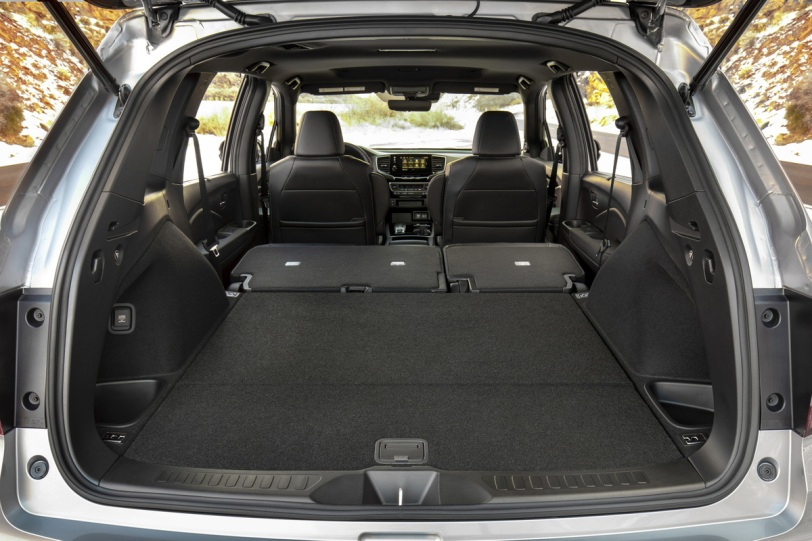 2020 honda passport cargo area